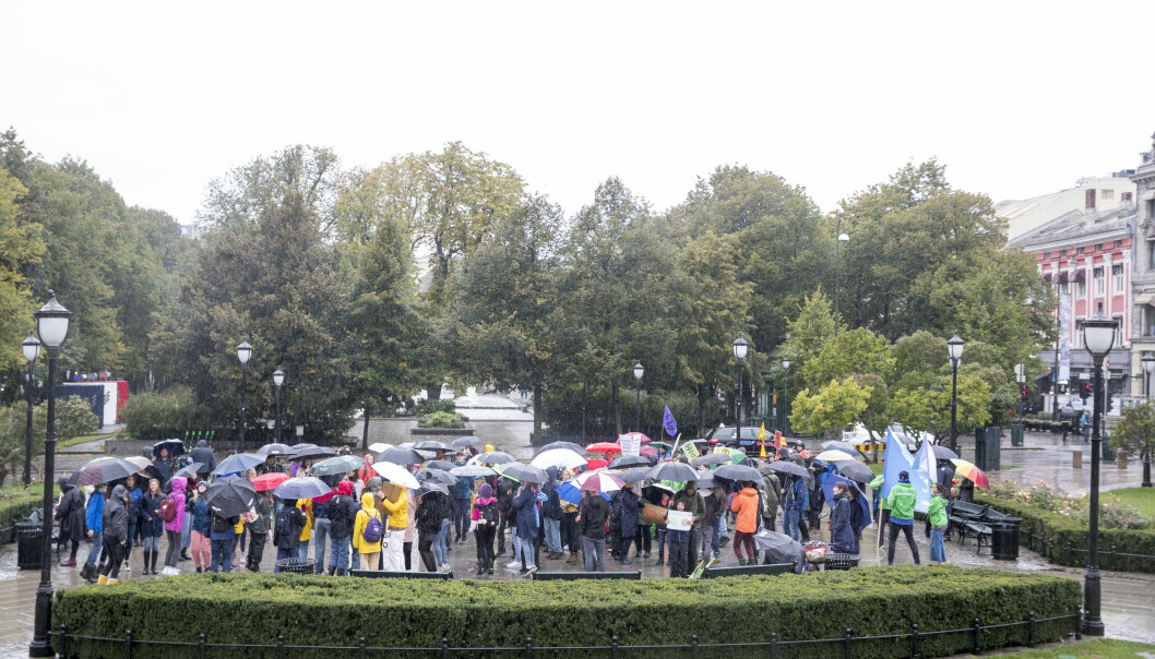 Oppmøtet var ikke like stort som tidligere under fredagens skolestreik for klimaet i Oslo. Skoleelever skulle også aksjonere en rekke andre steder i landet, så vel som internasjonalt. Foto: Terje Pedersen / NTB Scanpix