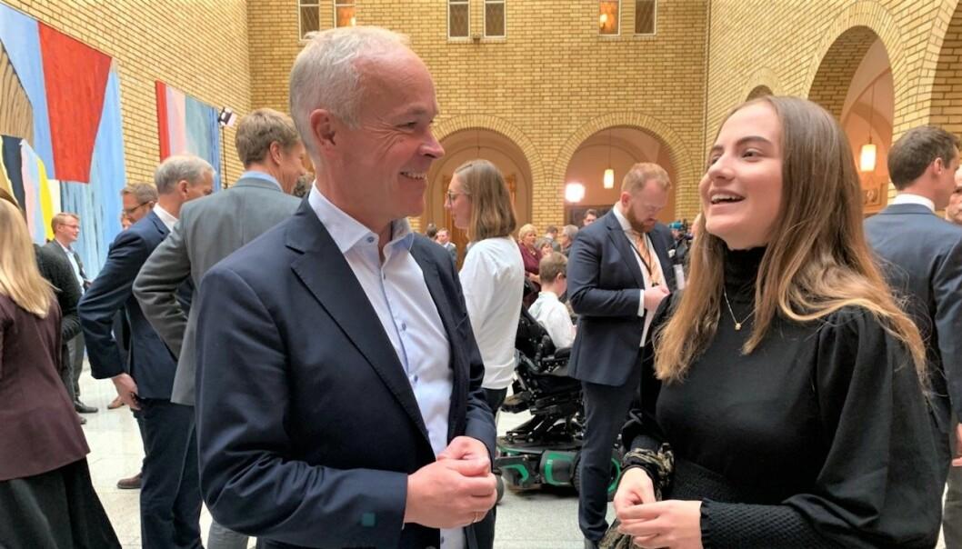 Leder for Elevorganisasjonen skryter av statsbudsjettet: - Det er hyggelig at elevene er fornøyde, sier kunnskapsminister Jan Tore Sanner. Foto: Anbjørg Bakken
