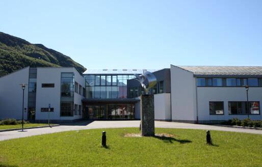 Ap krever forklaring fra Nybø om nedleggingen av studietilbudet på Nesna
