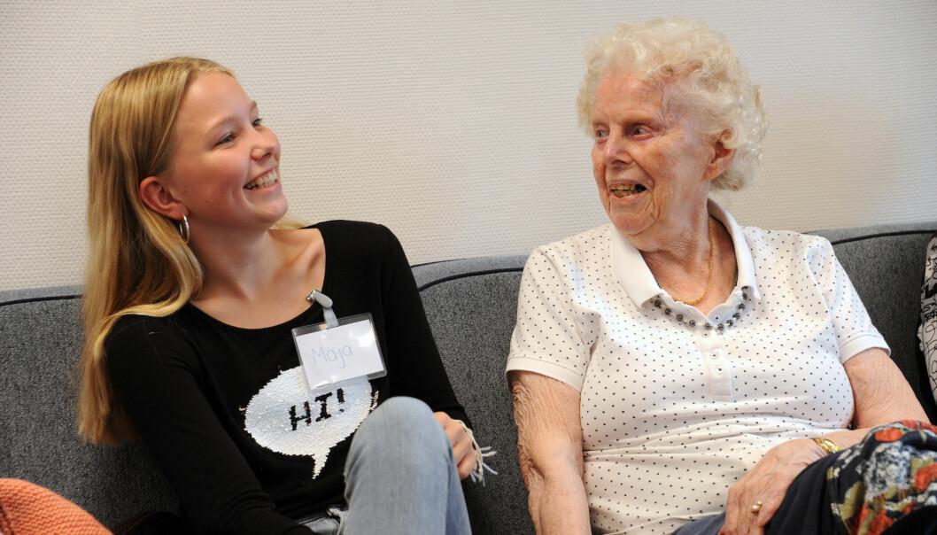 Praten går lett mellom Maja Dalen Gundersen og Signe H. Johnsen. Begge setter pris på den gode samtalen.