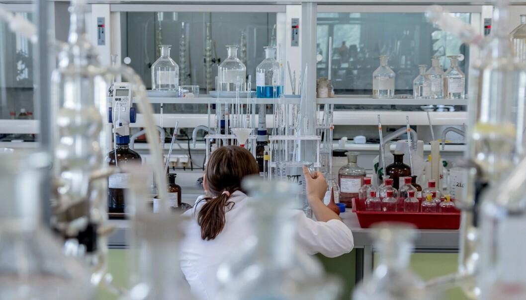 Tradisjonen med «evidensbasert forskning» ble opprinnelig utviklet for å teste effekten av legemidler og er senere tatt i bruk i andre deler av medisinen og også eksportert til deler av den pedagogiske forskning. Ill.foto: Pixabay