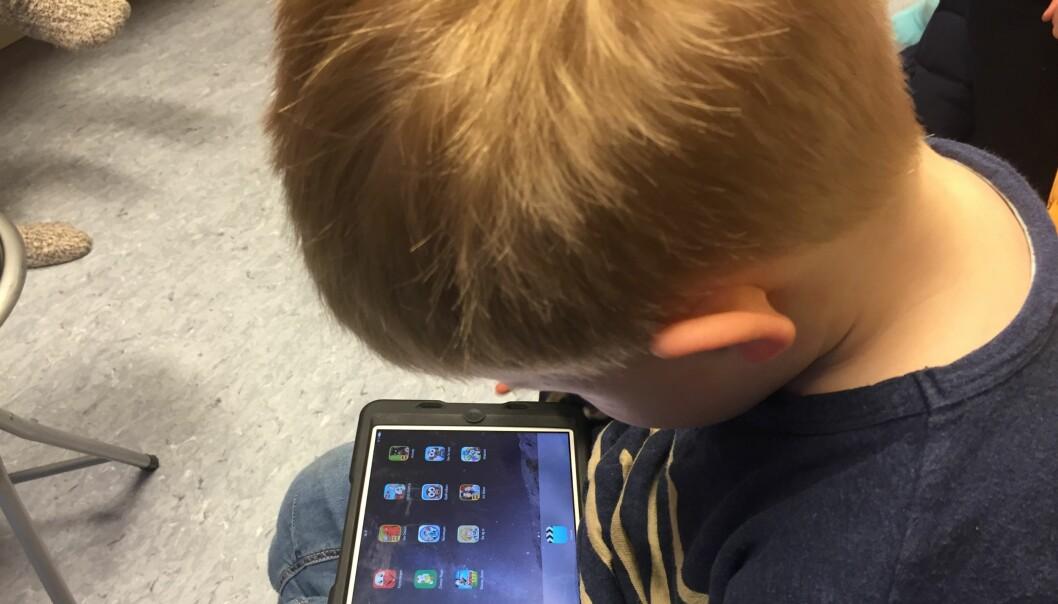 Barn i norske skoler og barnehager blir i mindre grad distrahert av bruk av datamaskiner og nettbrett, skriver Sintef i en foreløpig rapport. Ill.foto: Paal Svendsen.