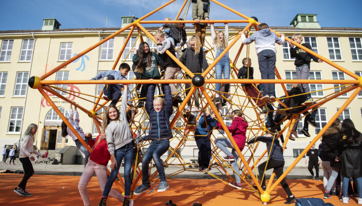 Nytt lekeapparat på Kampen skole i Stavanger. Foto: Marie von Krogh.