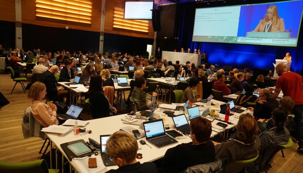Mange av delegatene som tok ordet under saken om vedtektstendringer på Utdanningsforbundets landsmøte, ønsker å åpne for medlemskap for flere av dem som arbeider med lærerutdanning i universitets- og høgskolesektoren. Foto: Marianne Ruud