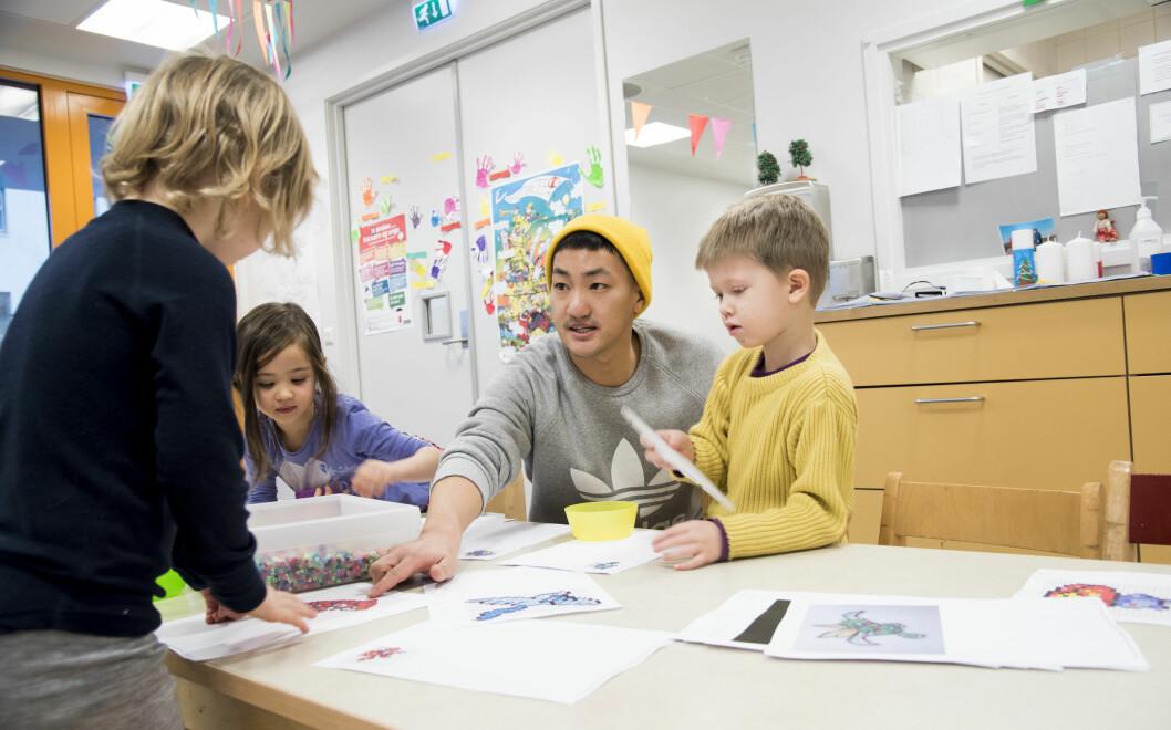 Frank Aleksander Bræin, leder i Pedagogstudentene, på jobb som barnehagelærer i 2017. Foto: Erik M. Sundt.