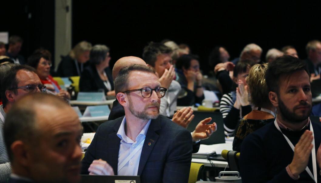 Bjørn Sigurd Hjetland uttrykte stor uro for dei minste skolebarna under landsmøtet i Utdanningsforbundet. Foto: Tom-Egil Jensen