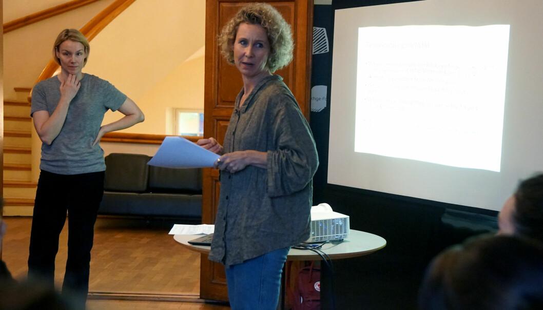 Lise Granlund og Silje Førland Erdal lærte seminardeltakerne metoder for å arbeide med perspektivtaking.
