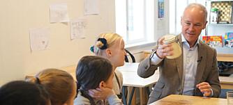 Forlenger muligheten til å gjøre unntak fra lærernormen