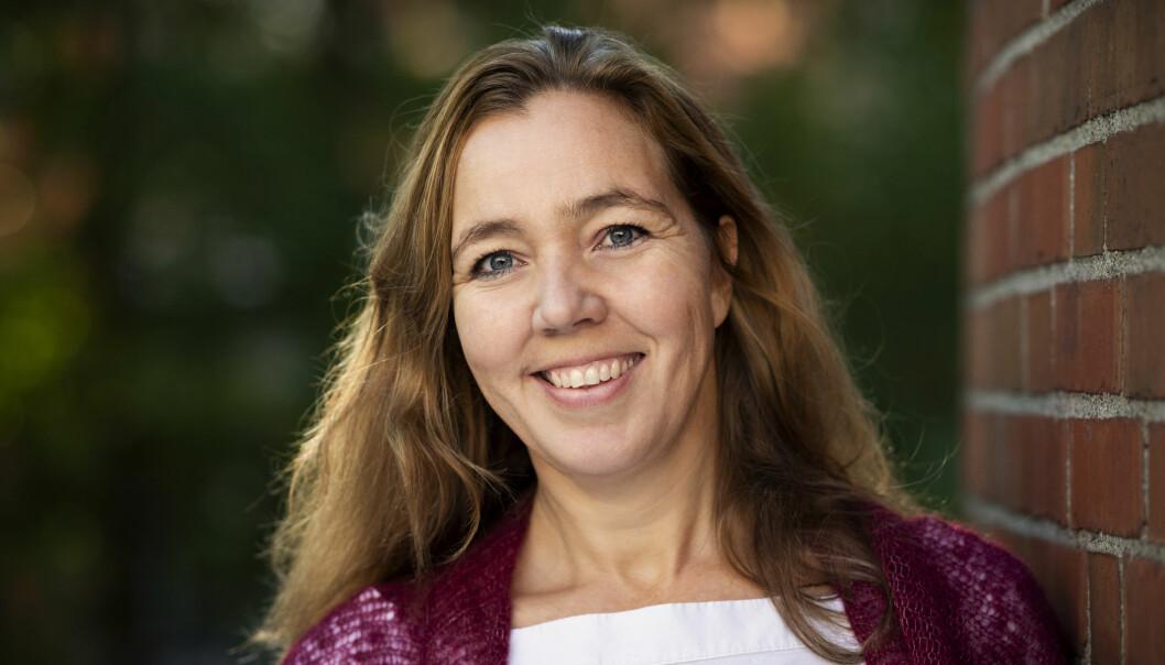 Forsker og stipendiat ved OsloMet, Trine Foyn, har forsket på hvorfor guttene går forbi jentene i matematikk. De er like flinke, men likevel dropper jentene matten.