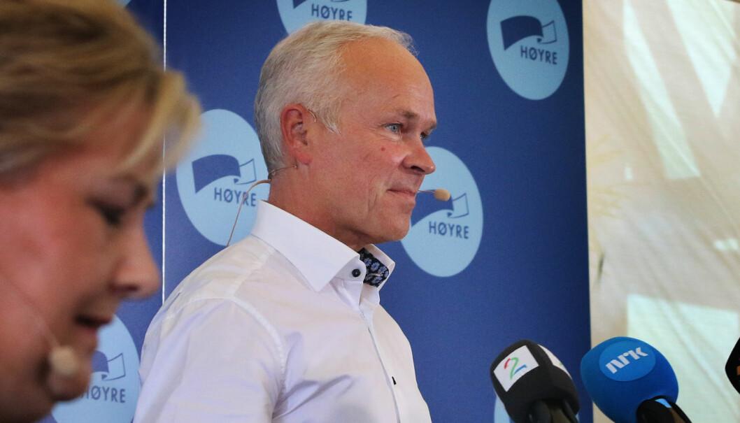 - Fylkene må bidra mer, sier kunnskapsminister Jan Tore Sanner (H).