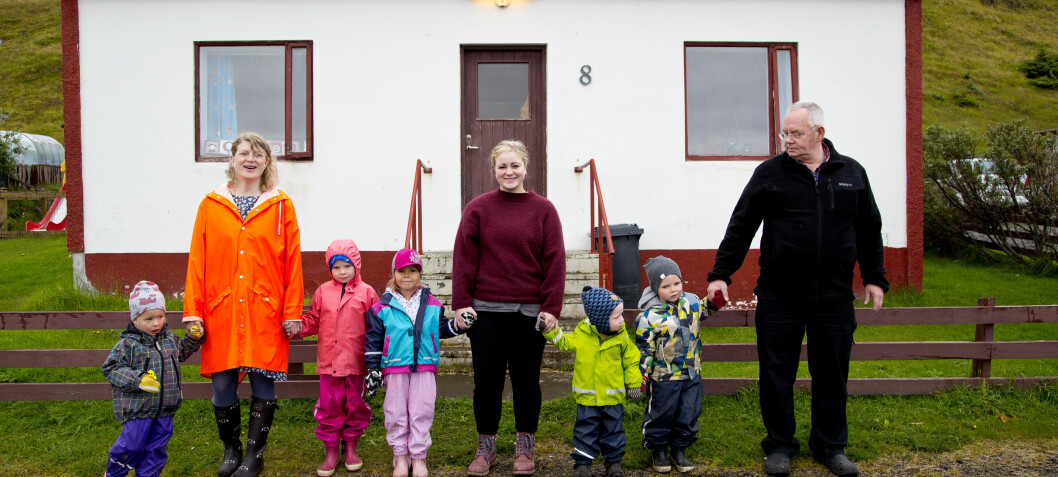 I denne barnehagen er de fire voksne på fem barn