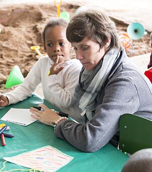 Barnehagepedagog Nikki Rigby har selv cerebral parese. Hun trives godt i det inkluderende miljøet ved sørafrikanske Sunnylea barnehage.