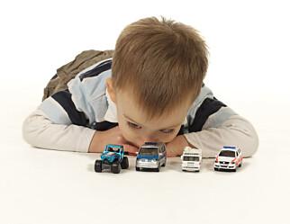 Kan ikke barna bare få lov til å fordype seg i bil-leken, eller være i «mellomrommet» uten å måtte være på vei et sted?