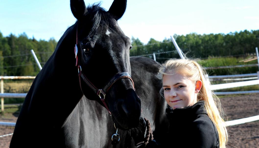 Benedikte er lærling i hestefaget.