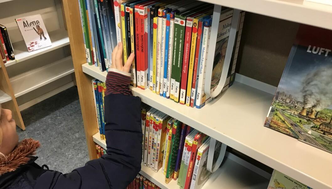 – Barn og unges lesevaner gir grunn til å rope varsko, skriver Trond Vernegg i Riksmålsforbundet.