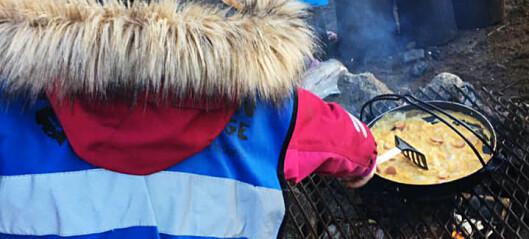 Barnehagen har egen kokk og tre måltider om dagen uten at foreldrene betaler matpenger