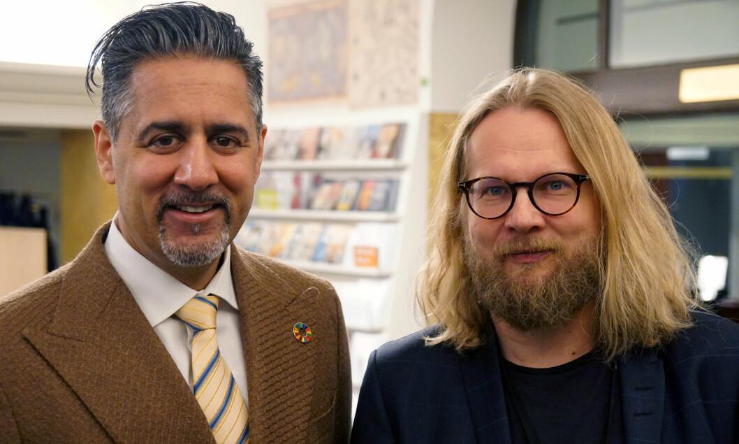 Abid Raja og Aslak Sira Myhre åpnet utstillingen «Opplyst» 27. februar.
