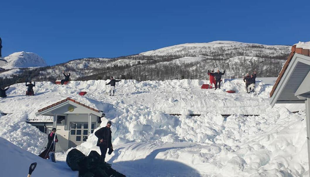 Lærere måker tak for å bistå under snøkaoset i Harstad