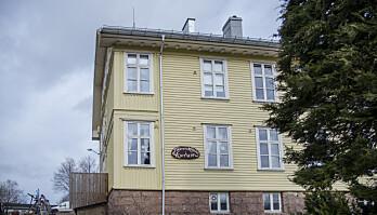 Det er stille bak vinduene i skolestua på Hurum.