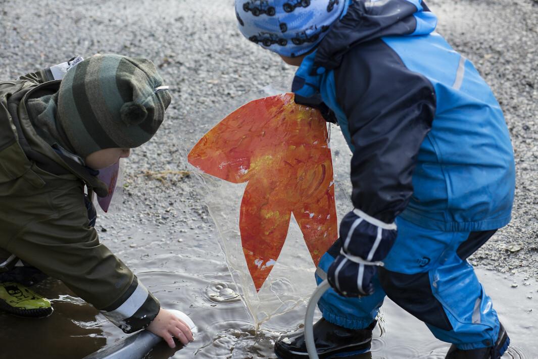 Når barnehagene har åpnet vil koronasmitten blusse opp igjen. Det mener epidemiolog Gunnar Kvåle.