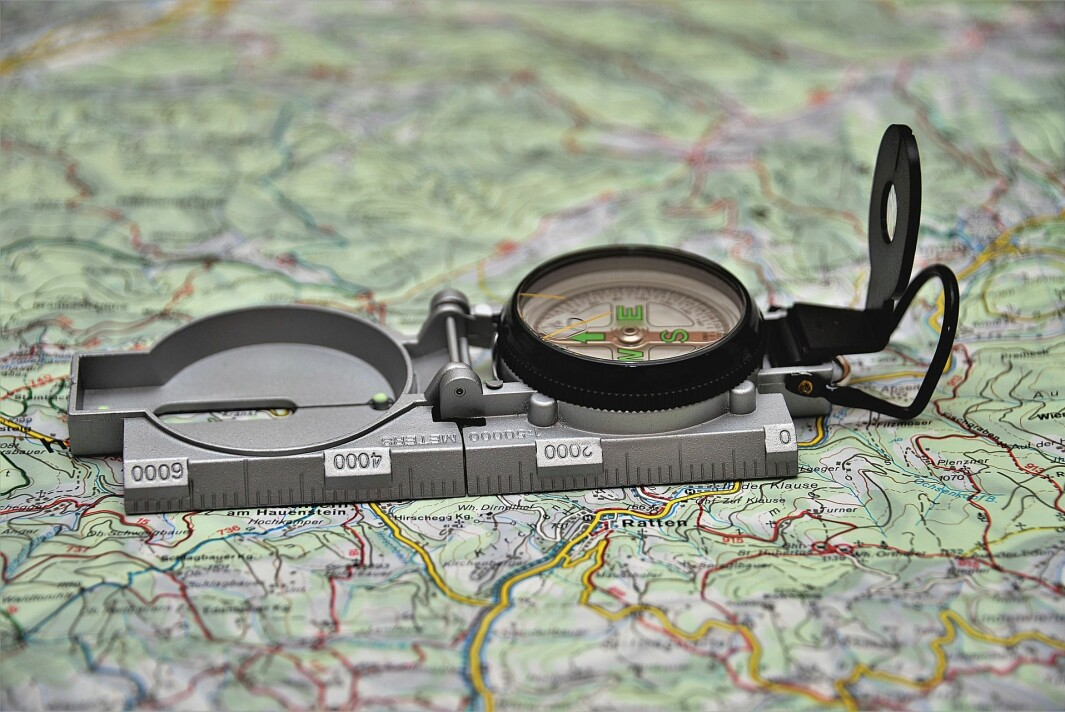 Tips til uteskole: Bruk kart som et pedagogisk dokument. Bruk nærkart – lær karttegn og landskap praktisk og digitalt.