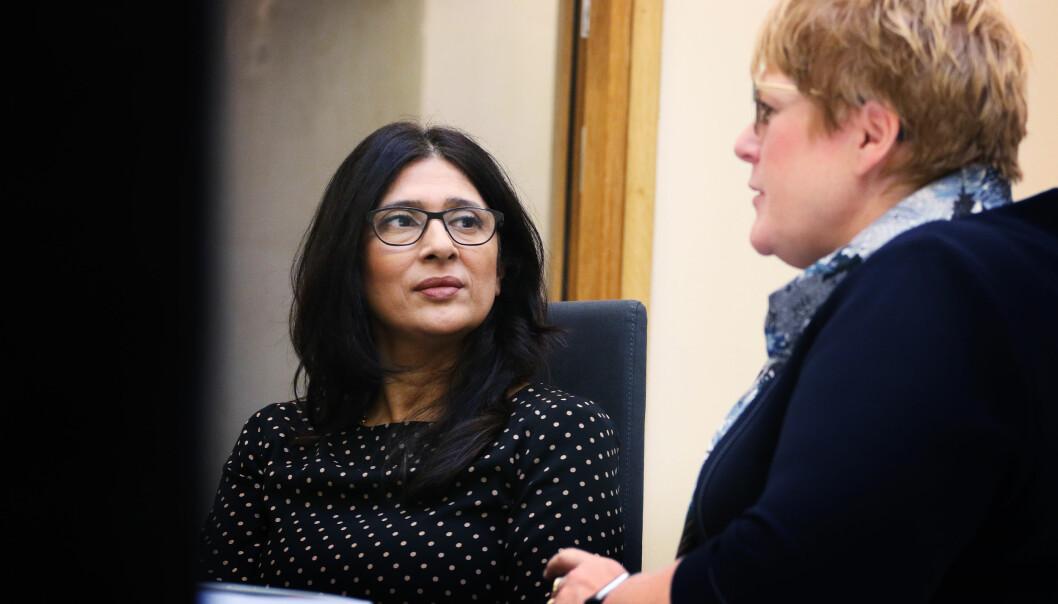 – Likestilling er ikke kjønn alene, men også personlighet, alder, om du har handikap eller er minoritetsspråklig, sier leder Loveleen Rihel Brenna for UngIDag-utvalget. Her legger hun frem rapporten for Trine Skei Grande da hun var kulturminister.