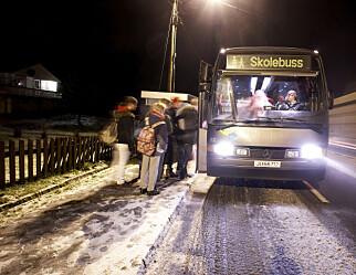 Åpner for flere elever på skolebussen