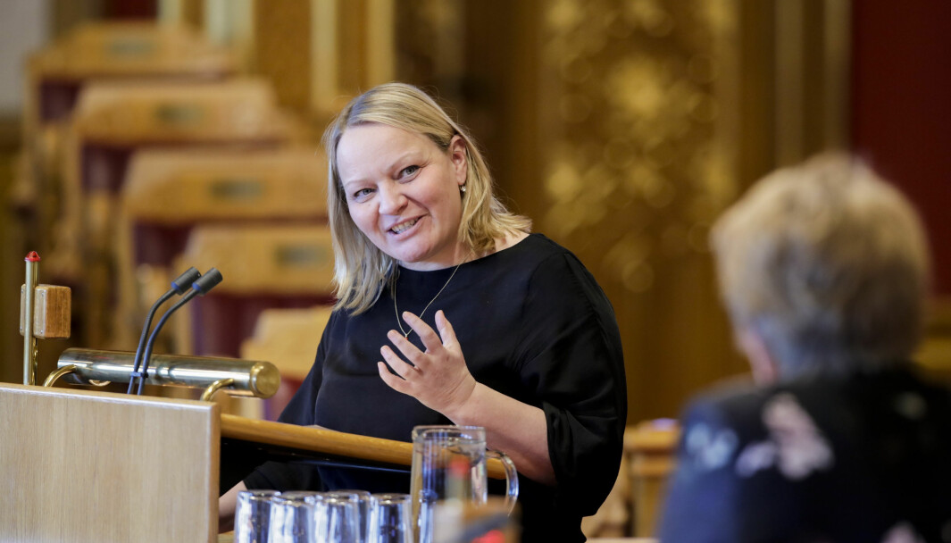 Mona Fagerås (SV) kaller regjeringens økonomiske tilskudd til tilsyn av private barnehager for puslete.