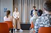 Guri Melby (V) på besøk hos Luhr skole i Lørenskog. Her sammen med rektor Leif Arne Eggen.