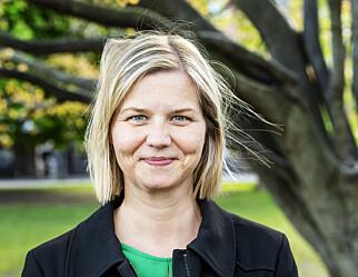 Guri Melby taler ved skoleavslutningen på Grøtte skole