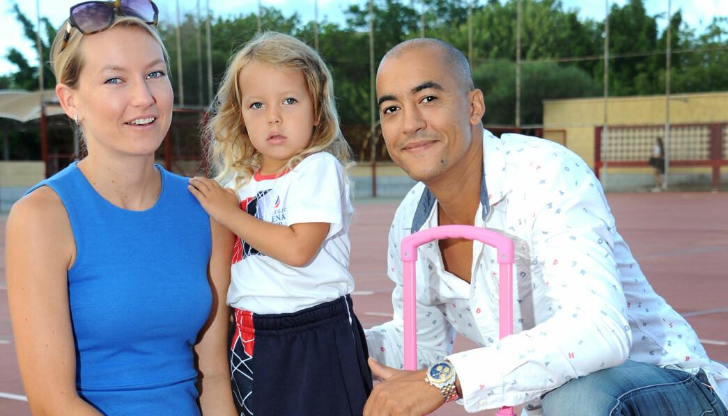 Victoria Nymo Heltzen bor på Gran Canaria med sine norske foreldre Sara Nymo og Farid Heltzen. Foreldrene valgte en barnehage og skole som satser på språk, slik at datteren kan studere i Spania aller et annet land om hun måtte ønske det når hun blir stor.
