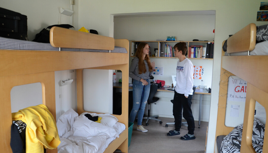 Vaida og Leo på Vaidas rom, som hun deler med tre til.