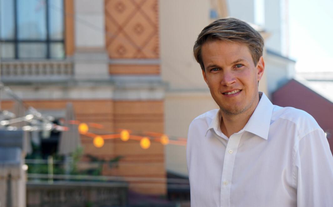 Arbeiderpartiet skal få fram forskjellene mellom fellesskolen og Høyre-skolen.