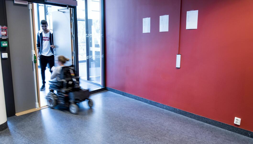 Funksjonshemmedes organisasjoner mener elever med funksjonsnedsettelser er oversett av Lied-utvalget. Bildet er fra Nydalen videregående skole, som faktisk er universelt utformet.