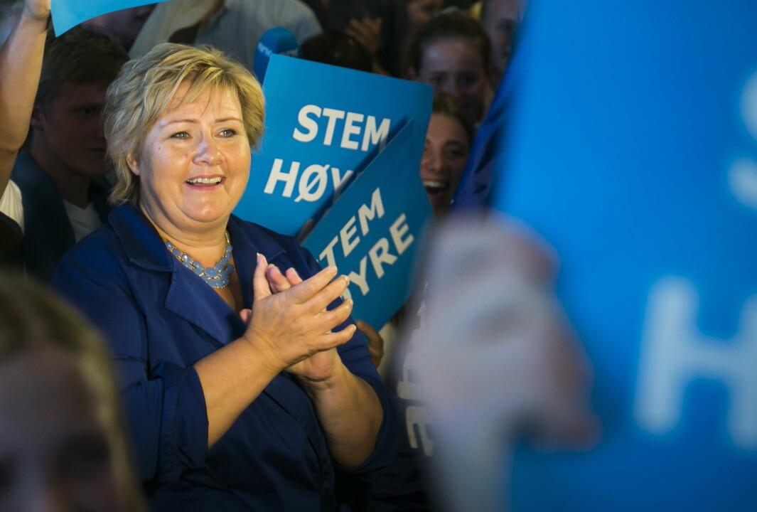 Høyreleder Erna Solberg jubler på Unge Høyres skolevalgvake i 2013 da partiet ble kåret til vinneren i skolevalget med 28,3 prosent av stemmene.