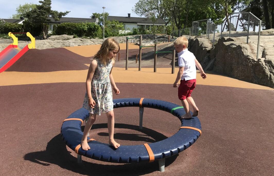 Mange barn trenger veiledning når de leker ute.