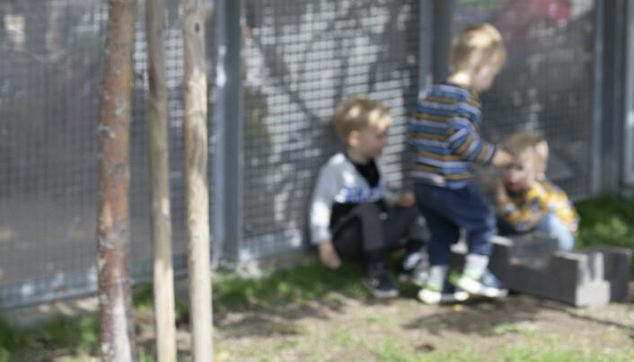Utestenging i barnehagen: – Barn somlet med å kle på seg, for ute ventet timer med frilek der de ble gående alene