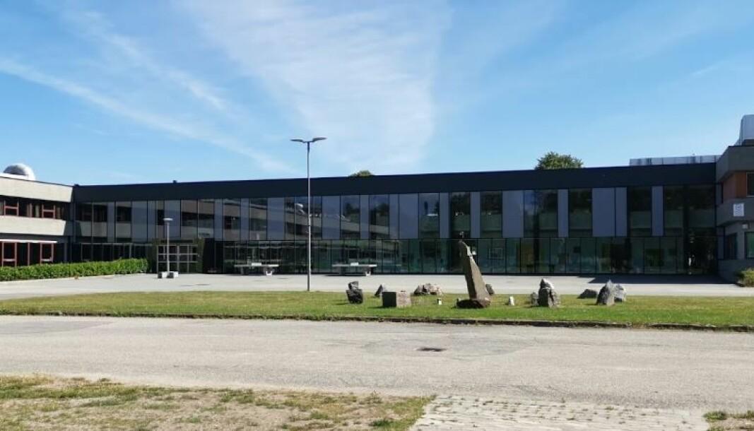 En elev ved Kristiansand katedralskole Gimle er smittet av korona.