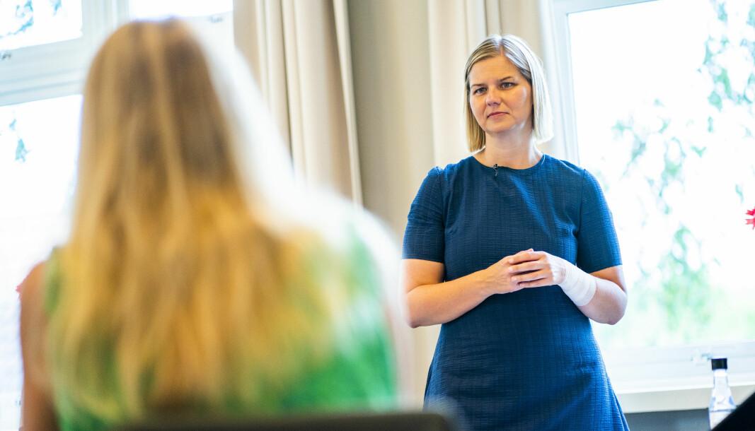 Kunnskapsminister Guri Melby (V) gjev Utdanningsdirektoratet oppdraget med å rydde i lærarstatistikken.