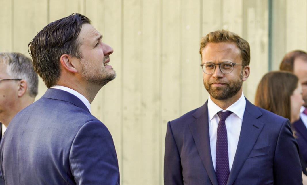 Kommunalminister Nikolai Astrup lover mer penger til kommunene.