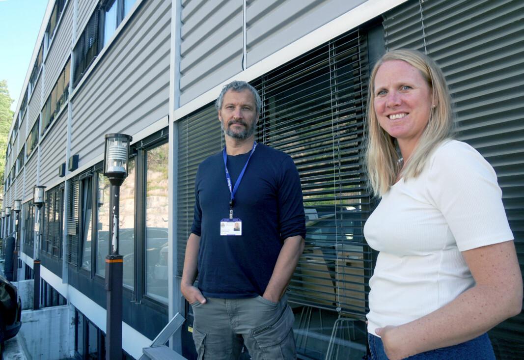Avdelingsdirektør for oppvekst Jarle Dukic Sandven ansetter seks nærmiljøskolekoordinatorer. Kristine Hovland er en av dem.