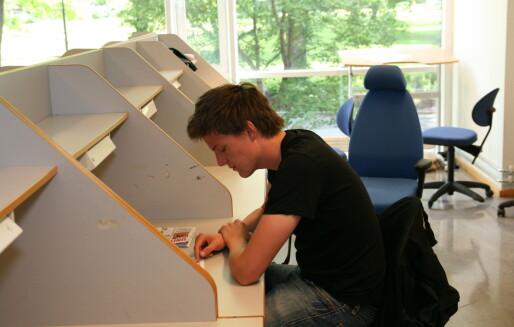 De med høyest utdanning bruker lengst tid på å få fast jobb