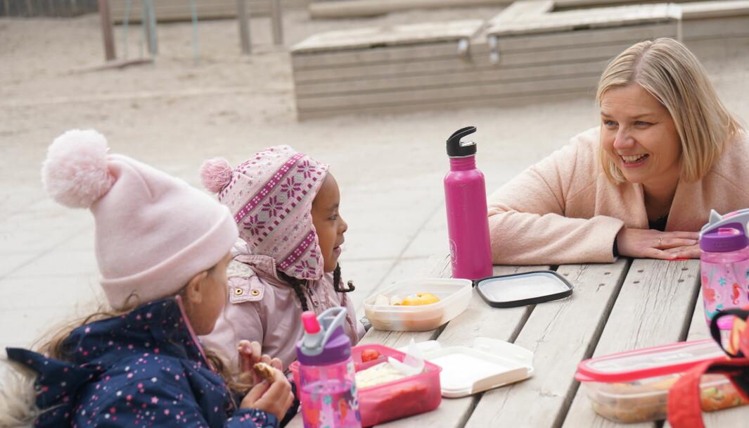 Kunnskaps- og integreringsminister Guri Melby vil kutte i overføringene til barnehager.