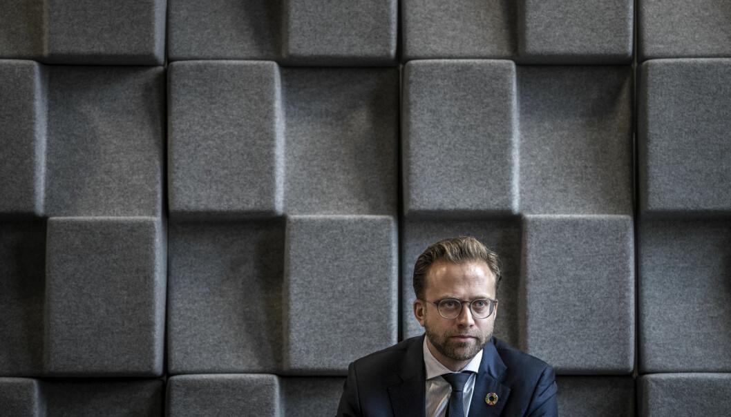 – Vi er fornøyd med at det var mulig å oppnå et resultat innenfor frontfagsrammen på 1,7 prosent, sier kommunal- og moderniseringsminister Nikolai Astrup (H) om lønnsoppgjøret i staten.