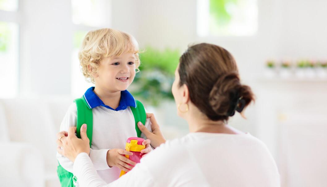 Foreldre med kortere utdanning legger mer vekt på at barna skal lære tall og bokstaver, enn foreldre med lengre utdanning, ifølge ny doktograd.