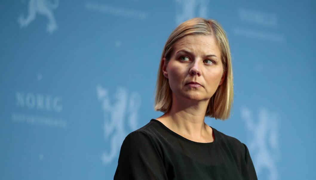 Kunnskaps- og integreringsminister Guri Melby vil tillate mer fjenundervisning i skolen der fraværet er stort.