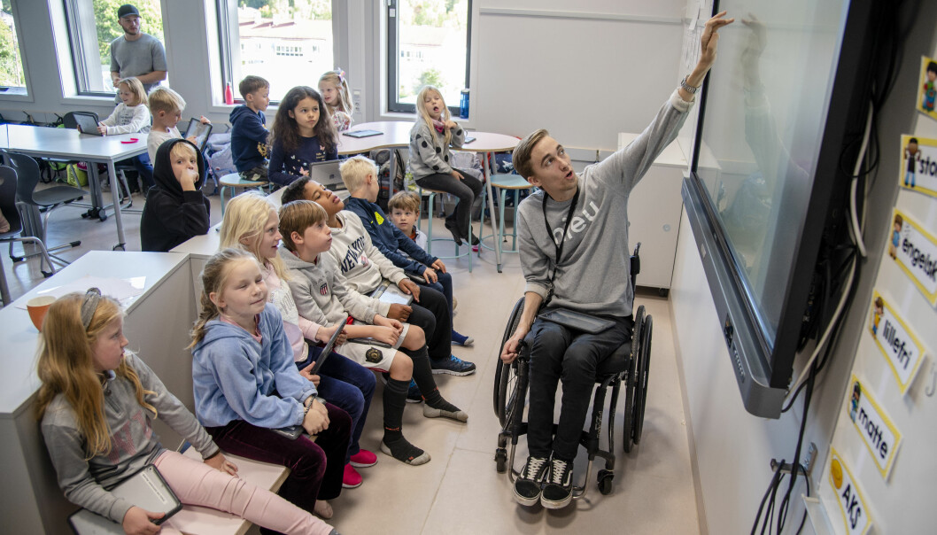 Elevene i 3B er synes Morten er både flink lærer og passe streng. De digger også at han er på landslaget i rullestolrugby og humorkonge på TikTok.