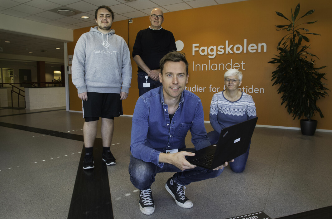 Fagskolen Innlandet gjør en innsats for å hjelpe noen av dem som er blitt permitterte under koronakrisen. Det er fra venstre kursdeltager Jonas Kyseth, avdelingsleder Roy Jakobsen og lærerne Eivind Voldheim og Mette Westgård.