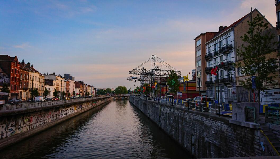 Molenbeek er en forstad til Brussel.