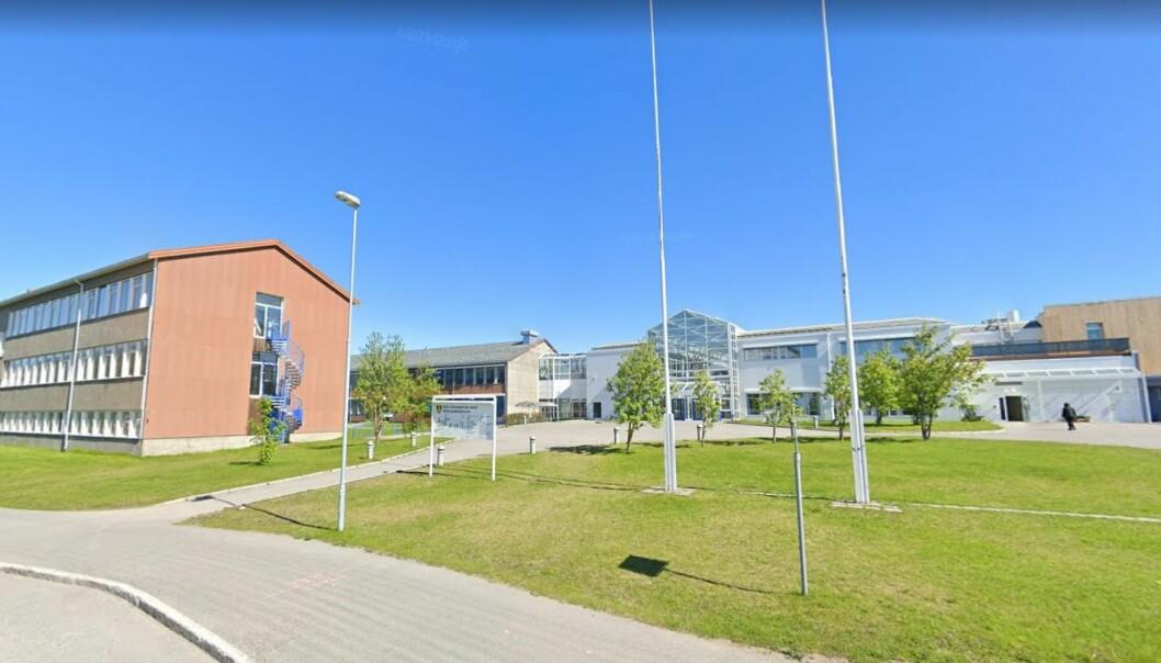 Alta videregående skole og de andre videregående skolene i Finnmark og Troms stenger i minst to uker.